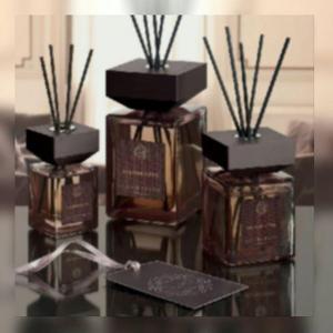 Modelos de Difusores de Fragrâncias usadas na última Feira de Milão